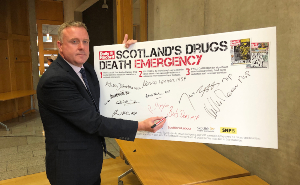 Drugs Deaths Pledge RZ